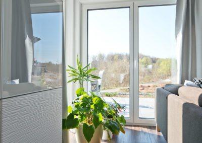 Große Fenster für viel Tageslicht